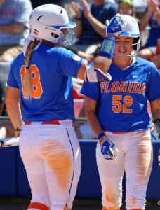 Florida Gators softball sweeps Friday's doubleheader