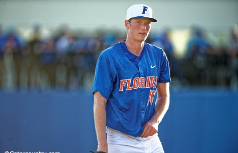 Kentucky pulls even with 7-4 win over Florida Gators