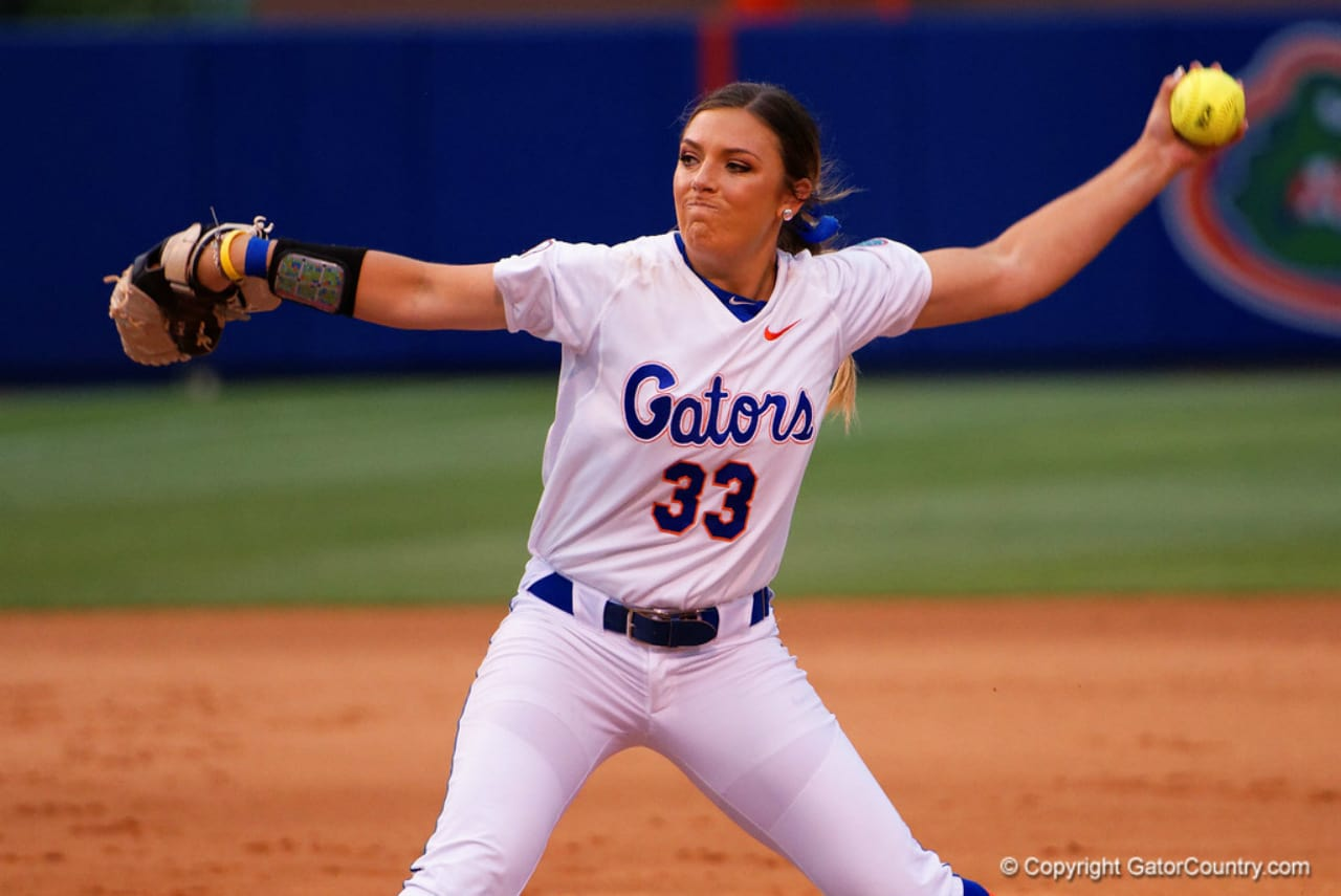 Florida Gators softball cruises past Jacksonville