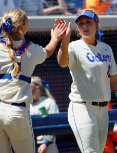 Florida Gators softball clinches Ole Miss series