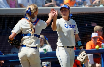 Florida Gators softball advances to SEC semifinals