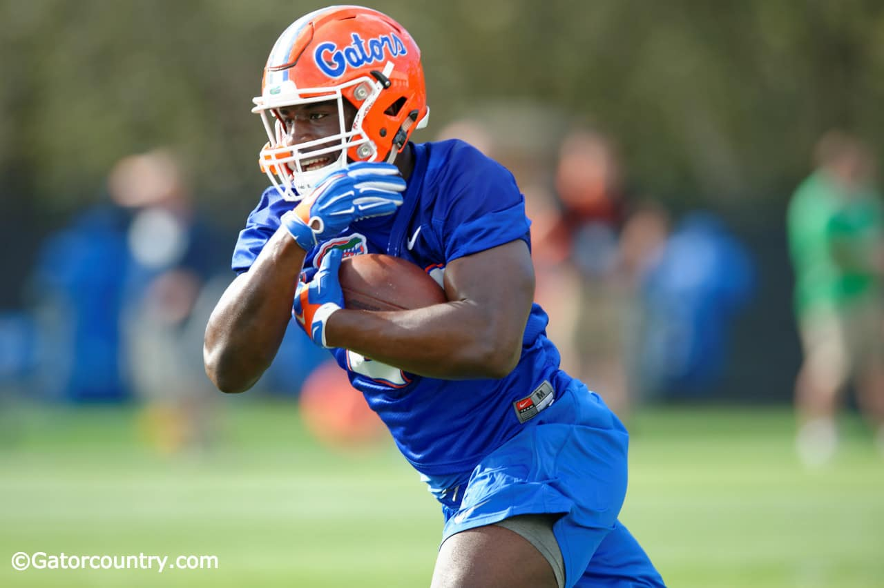 University-of-florida-running-back-mark-thompson-carries-the-ball-during-the-gators-first-spring-practice-in-2016-florida-gators-football-1280x852