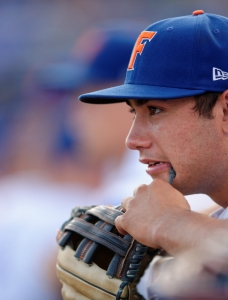Wright stifles Florida Gators, Vandy evens series