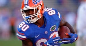 University of Florida tight end C'yontai Lewis catches a pass during warmups before the Orange and Blue Debut in 2016- Florida Gators football- 1280x852