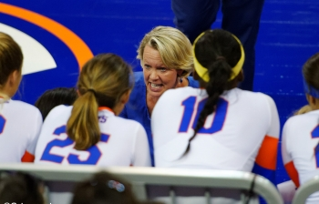 Florida Gators volleyball defeats Jacksonville