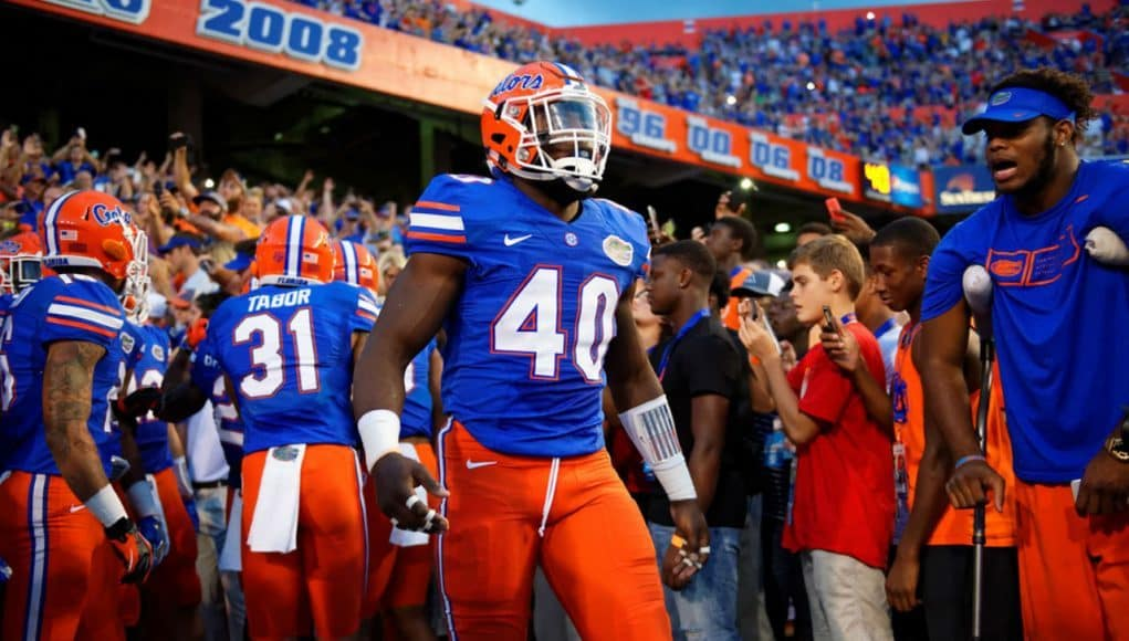 Florida Gators linebacker Jarrad Davis gets ready to lead the Gators out of the tunnel- 1280x855
