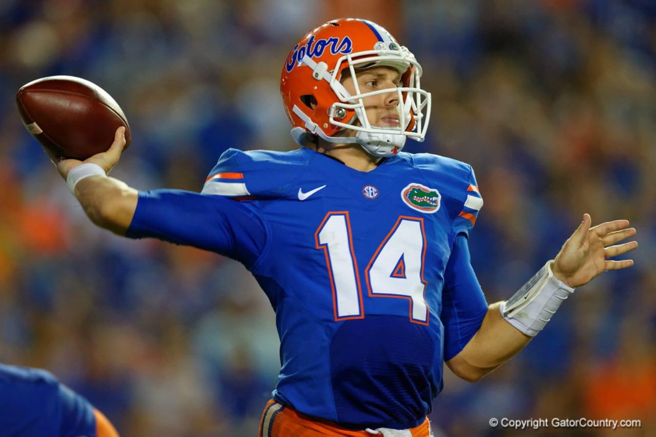 Florida Gators quarterback Luke Del Rio throws a pass against North Texas- 1280x853