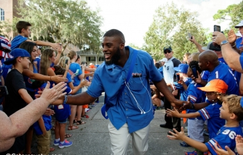 Florida Gators photo gallery: Gator walk vs. UMass