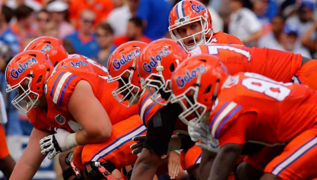 University of Florida quarterback Luke Del Rio makes a call at the line of scrimmage against the Kentucky Wildcats- Florida Gators football- 1280x852