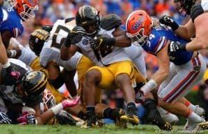 Florida Gators LB Alex Anzalone makes a tackle against Missouri- 1280x853