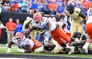 Florida Gators running back Jordan Scarlett dives for a touchdown against Vanderbilt-1280x965