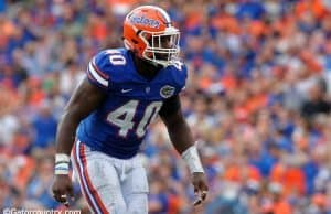 University of Florida linebacker Jarrad Davis scans the Missouri offense in a 40-14 win over the Tigers on homecoming- Florida Gators football- 1280x852