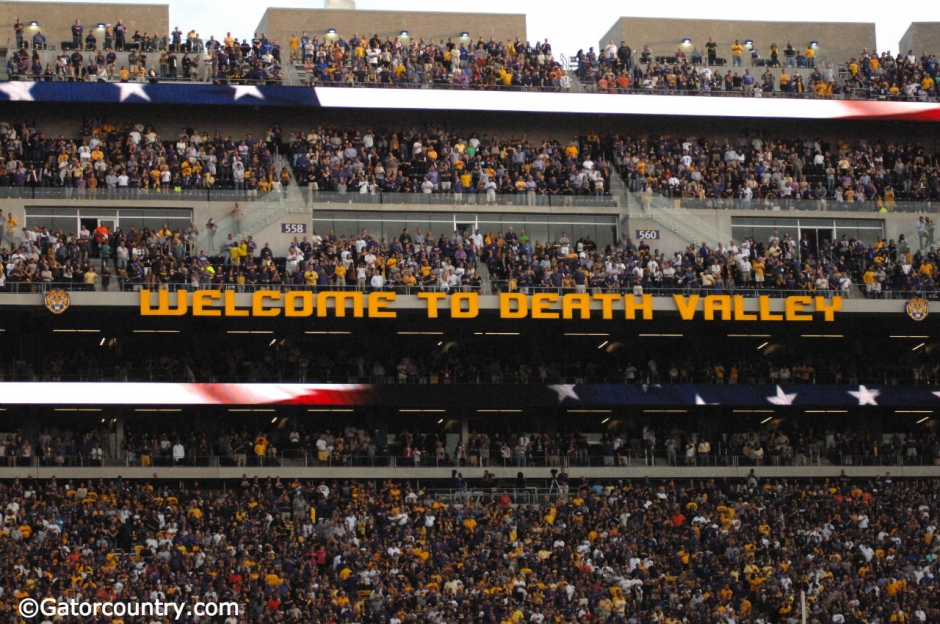 Tiger stadium during the Florida Gators-LSU Tigers game in 2015- Florida Gators football- 1280x850