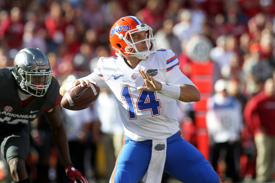 Nov 5, 2016; Fayetteville, AR, USA; Florida Gators quarterback Luke Del Rio (14) passes during the first quarter against the Arkansas Razorbacks at Donald W. Reynolds Razorback Stadium. Mandatory Credit: Nelson Chenault-USA TODAY Sports