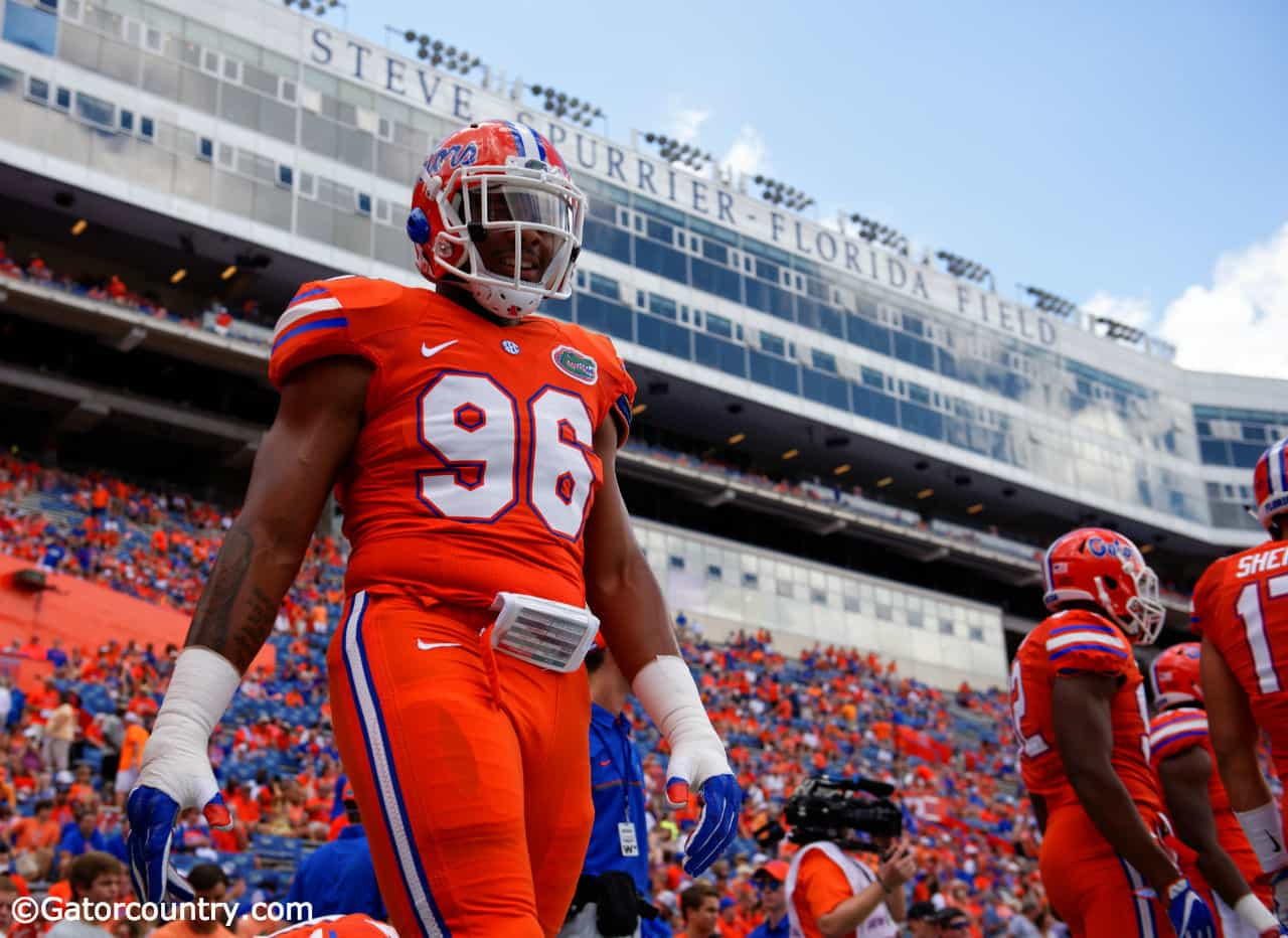 University-of-florida-defensive-end-cece-jefferson-warms-up-before-the-florida-gators-game-against-kentucky-in-2016-florida-gators-football-1280x852