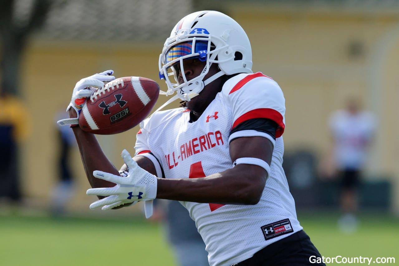 Florida-gators-recruiting-receiver-target-james-robinson-makes-a-catch