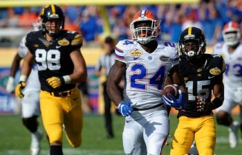 Florida Gators defeats Iowa to win the Outback Bowl