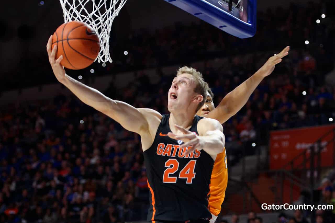 Florida Gators basketall player Canyon Barry scores- 1280x853
