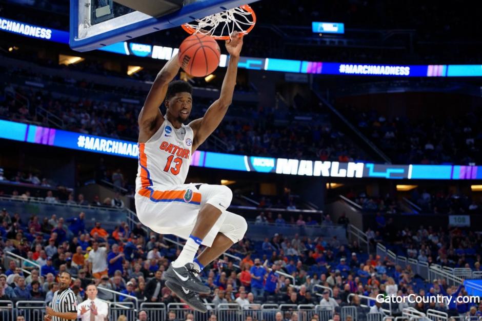 Florida Gators baskeball player Kevarious Hayes dunks against ETSU- 1280x853