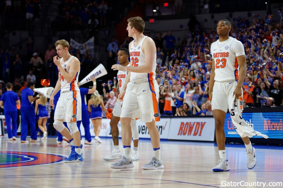 Florida Gators basketball seniors receive one last standing ovation at home-1280x853