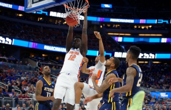 Florida Gators basketball photo gallery from the ETSU win