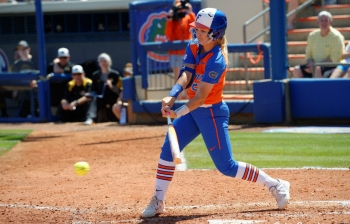 Offensive explosion leads Florida Gators softball to 15-7 win