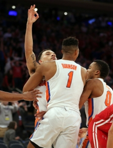 Florida Gators advance to Elite Eight after instant classic