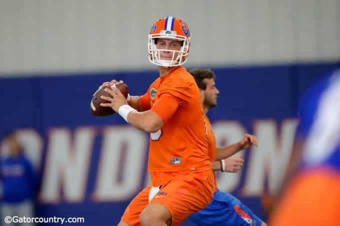 University of Florida quarterback Feleipe Franks throws a pass during the Florida Gators fourth spring practice- Florida Gators football- 1280x852