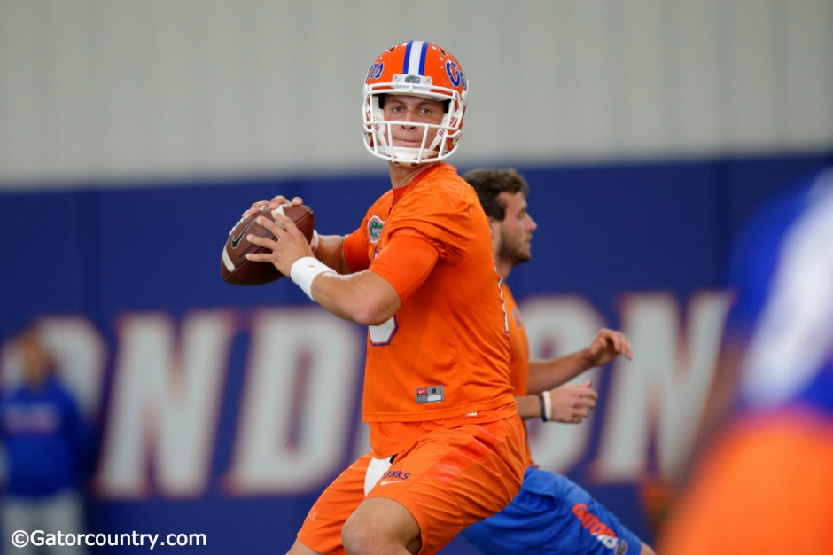 University of Florida quarterback Feleipe Franks throws a pass during the Florida Gators fourth spring practice- Florida Gators football- 1280x852
