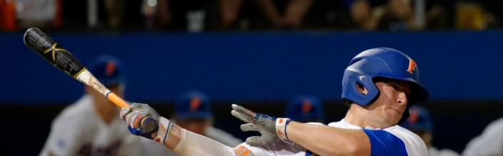 Florida Gators score 11 runs in the eighth to beat Mississippi State