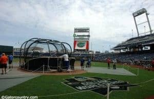 The Florida Gators take batting practice at TD Ameritrade Park before the start of the 2017 College World Series- Florida Gators baseball- 1280x852