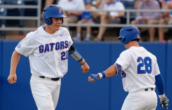 Florida Gators win a sloppy Regional opener over Marist