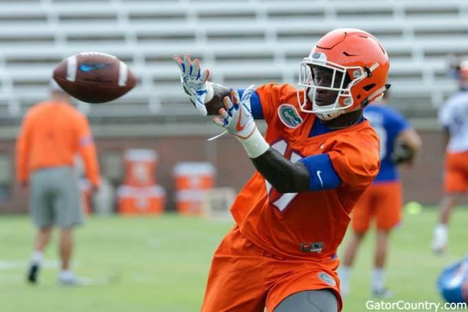 Florida Gators athlete Kadarius Toney catches a pass- 1280x853
