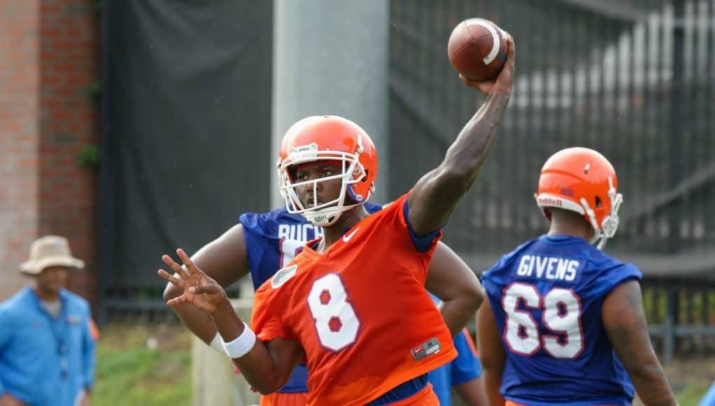University of Florida quarterback Malik Zaire throws a pass during the Gators second fall practice- Florida Gators football- 1280x852