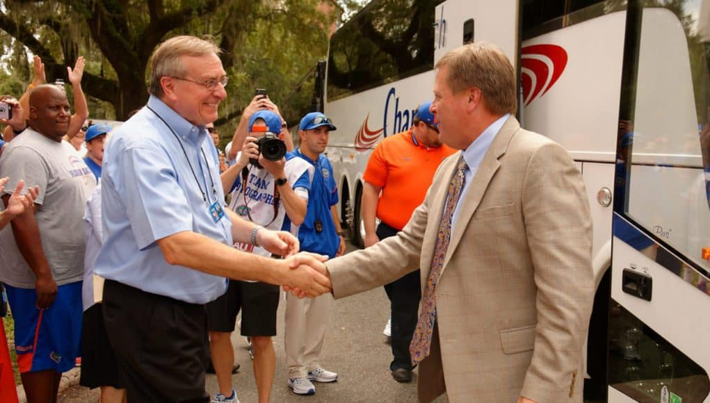 Florida Gators football coach Jim McElwain arrives for the Tennessee game- 1280x852