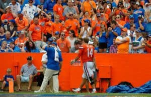 Florida Gators quarterback Luke Del Rio exits the field after getting injured- 1280x852