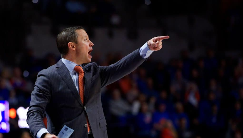 Florida Gators basketball coach Mike White coaches in 2017-18- 1280x853
