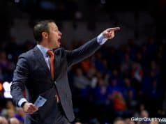 Florida Gators basketball coach Mike White coaches in 2017-18- 1280x853