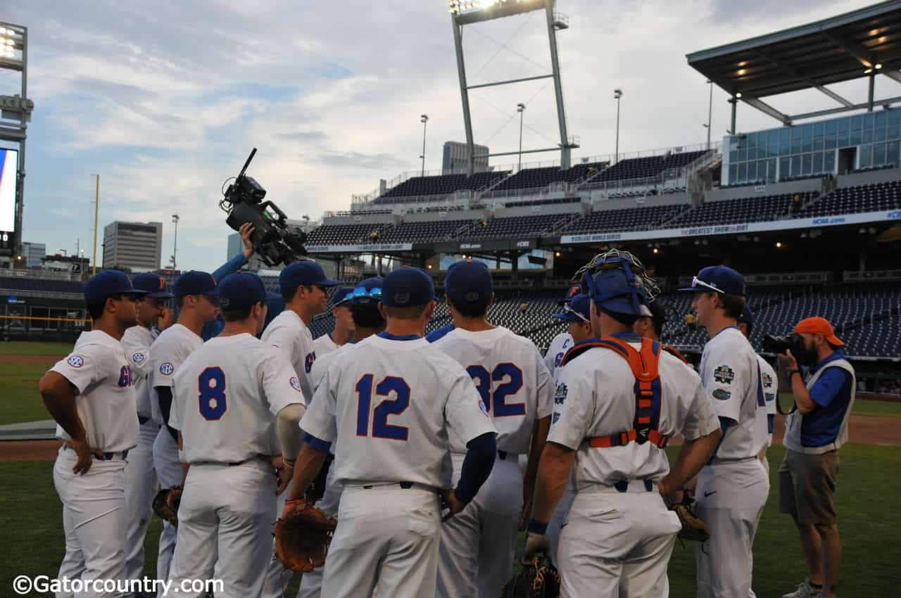 The-florida-gators-huddle-up-before-taking-infieldoutfield-leading-into-their-2018-college-world-series-matchup-with-texas-tech-florida-gators-baseball-1280x850