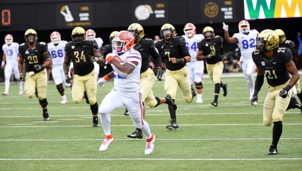 Florida Gators running back Lamical Perine catches a pass against Vanderbilt-1280x800