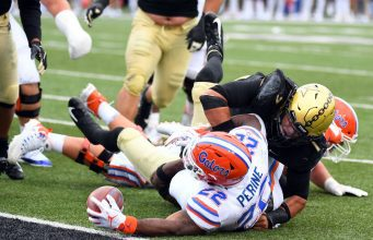 Florida Gators running back Lamical Perine scores against Vanderbilt- 1280x858