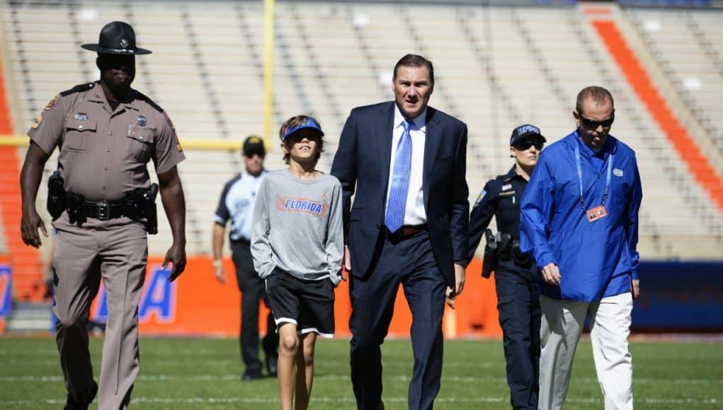 Florida Gators head coach Dan Mullen enters the Swamp before the Missouri game- 1280x853
