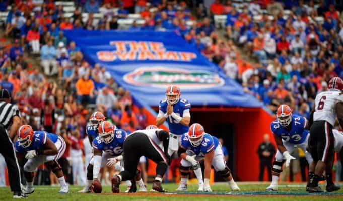 Florida Gators quarterback Feleipe Franks waits for the snap against South Carolina- 1280x853