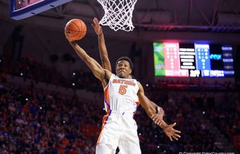 Florida Gators guard KeVaughn Allen goes up for a dunk against Charleston Southern - Florida Gators basketball - 1280x853