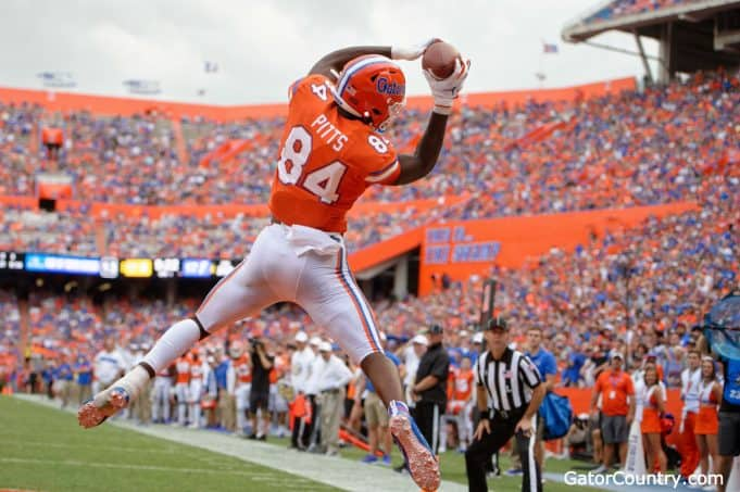 Florida Gators tight end Kyle Pitts catches a touchdown against Towson- 1280x852