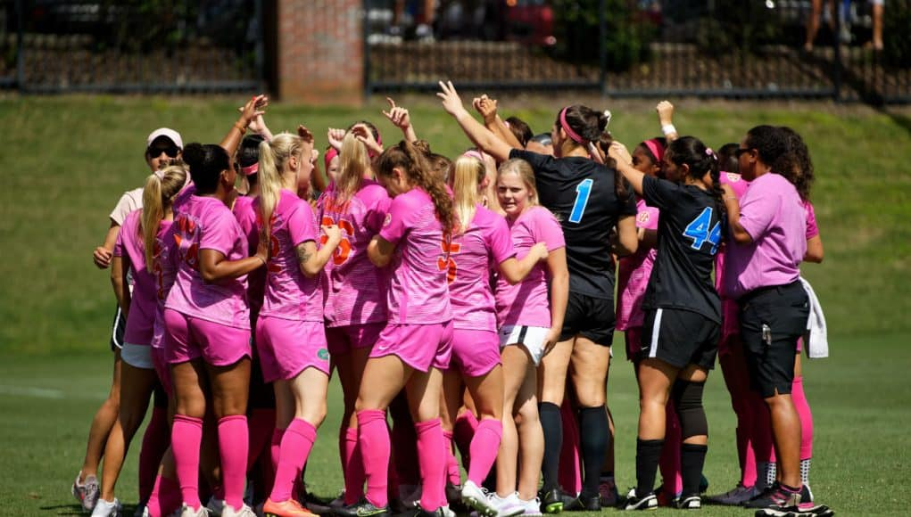 Florida Gators soccer team celebrates a win over Kentucky- 1280x853