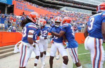 The Florida Gators celebrate a touchdown against Kentucky-1293x800
