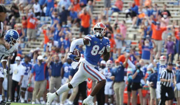 University of Florida tight end Kyle Pitts runs away from Kentucky cornerback Kelvin Joseph for a 56-yard touchdown- Florida Gators football- 1280x920