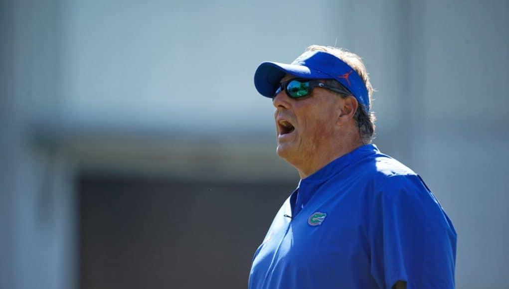 Florida Gators defensive coordinator Todd Grantham coaches in spring 2019 - 1280x854