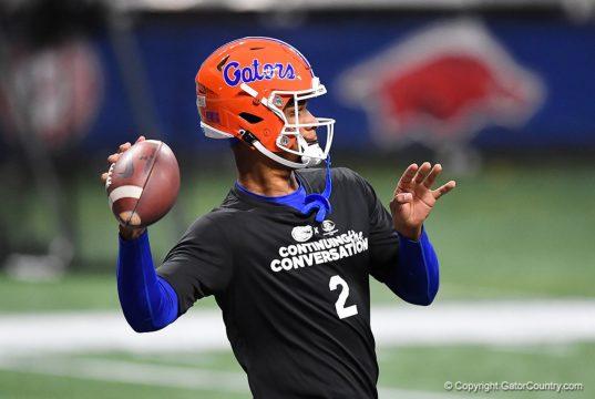 Florida Gators quarterback Anthony Richardson warms up before the 2020 SEC Championship Game - 1280x854